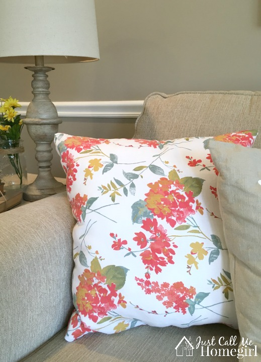 Beautiful spring pillows