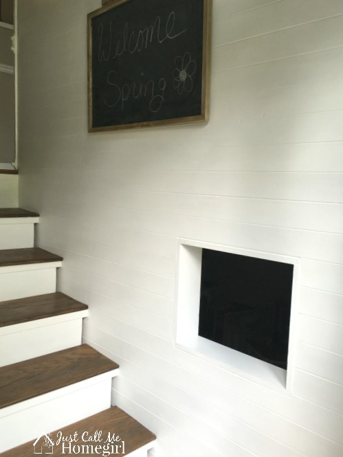 Raised Ranch Entry with shiplap